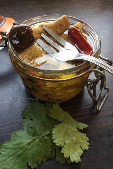antipasti de champignons à l'huile