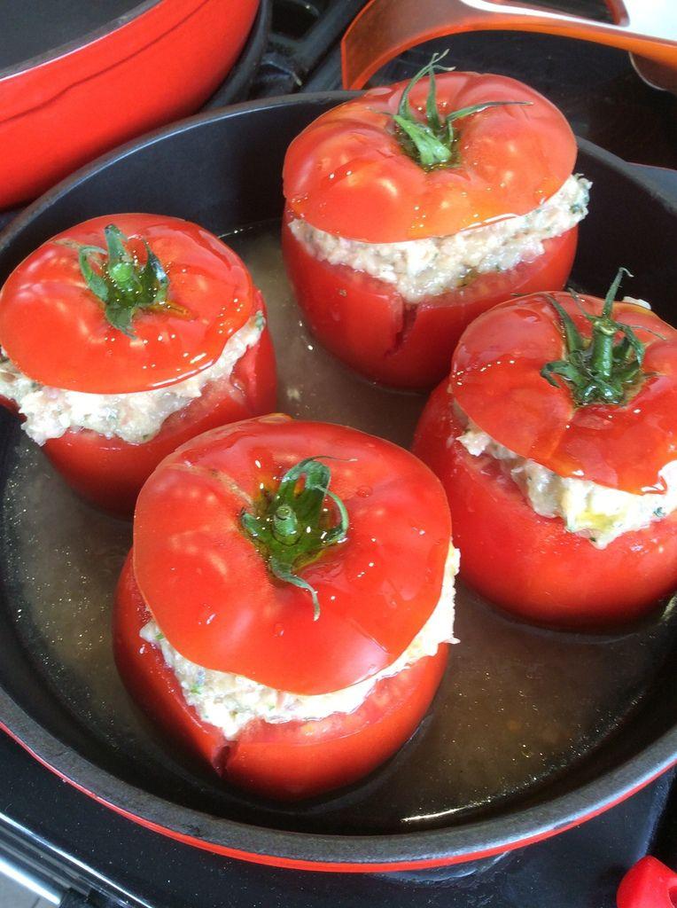 tomates farcies au poulet et au jambon