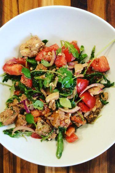 la panzanella, merveille de salade anti-gaspi