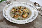 assiette de purée de topinambours, noix de st Jacques snackées et noisettes torréfiées