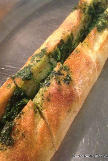 Garlic bread aux fanes de radis