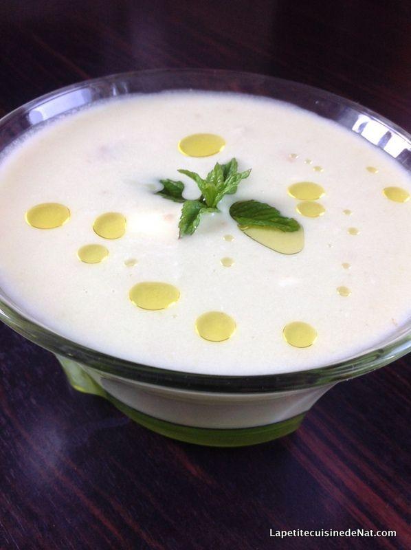 soupe glacée de cosse de petit pois et menthe