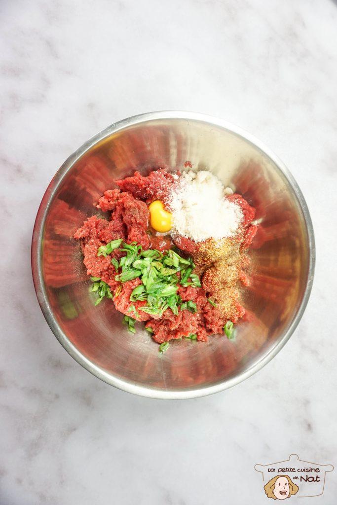 préparation de la viande pour hamburger maison