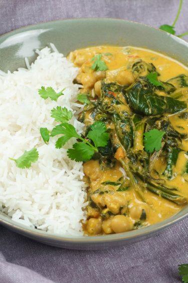 curry d'épinards et pois chiches et riz
