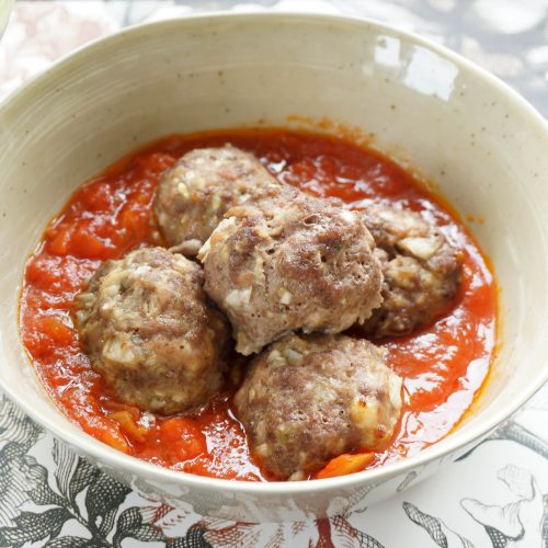boulettes au boeuf et au porc à la sauce tomate